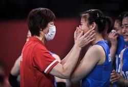 Bóng chuyền Olympic ngày 2/8: VĐV Trung Quốc khóc như mưa chia tay HLV Lang Ping