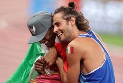Giữa một Olympic căng thẳng, tình bạn không biên giới xoa dịu tất cả