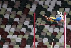 Góc máy gây sốt của kỉ lục gia nhảy sào nam Armand Duplantis tại Olympic