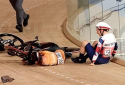 Va chạm ở tốc độ cao, VĐV xe đạp lòng chảo gãy xương đòn, xương sườn và bất tỉnh