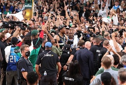 Các sân đấu 19.000 khán giả tại NBA đương đầu với COVID-19 như thế nào?
