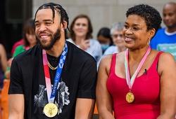 JaVale McGee và bà Pamela chia sẻ về cặp huy chương vàng bóng rổ Olympic lịch sử