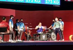 Dâng trào cảm xúc hình ảnh Lê Văn Công quật cường mang về HCB Paralympic 2020