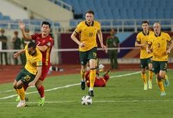 Thắng khó nhọc Việt Nam, Australia lập một loạt kỷ lục