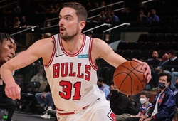 Bị trade chỉ với 1 tin nhắn, hậu vệ người Séc chỉ trích Chicago Bulls