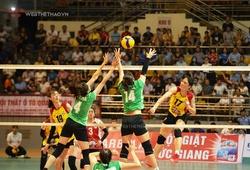 """Những khoảnh khắc """"nghẹt thở"""" mở đầu trận chung kết nữ Cúp Hùng Vương"""