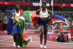 """Hai cô gái """"mang dòng máu đàn ông"""" thống trị đường chạy 200m U20 thế giới"""