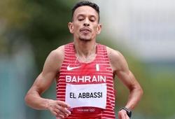 """Tuyển thủ marathon Bahrain bị tạm cấm thi đấu vì """"lỗi lạ"""" ở Olympic Tokyo"""