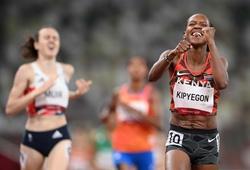 """""""Nữ hoàng Kenya"""" phá kỷ lục Olympic 1500m, kỷ lục gia Hà Lan bị vượt mặt"""