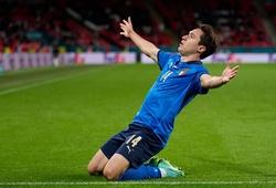 Chiesa tiếp bước cha ghi bàn tại EURO sau 25 năm