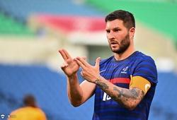 Hat-trick thứ hai ở bóng đá nam Olympic thuộc về cầu thủ 35 tuổi