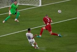 Italia tiếc nuối với 2 cơ hội bị bỏ lỡ trong 5 phút