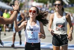 Cô gái giành HCĐ marathon Olympic Tokyo cố tình chạy cuối một cuộc thi vì lý do đặc biệt