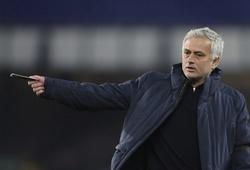 Mourinho vẫn nhận lương khủng ở Tottenham dù trở thành HLV Roma