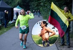 """""""Dị nhân"""" phá kỷ lục thế giới 24 năm chạy hơn 308km sau gần 24 giờ"""