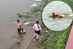 Màn bơi sông cứu người đuối nước nhanh như VĐV của chiến sĩ bộ đội