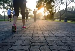 Hà Nội dừng triệt để hoạt động tập thể dục nơi công cộng từ trưa 25-5