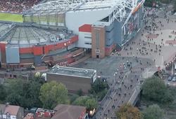 Không thể chứng kiến bị Liverpool làm nhục, CĐV MU lũ lượt bỏ về giữa trận
