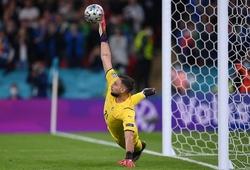 """Pique phàn nàn: """"Không công bằng khi Italia sút quả penalty đầu tiên"""""""