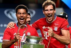 Ngôi sao Bayern khoe cơ bắp cuồn cuộn với chiếc cúp Champions League