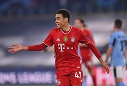 Tài năng trẻ của Bayern Munich lập dấu mốc ở Champions League