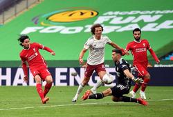 Salah có dùng tay chơi bóng giúp Minamino ghi bàn cho Liverpool?