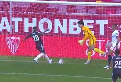 Tiền đạo Real Madrid bị troll vì sút trượt bóng trước vạch vôi