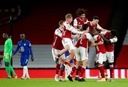 Chiêm ngưỡng Xhaka sút phạt tuyệt đẹp trong trận Arsenal vs Chelsea