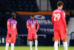 CĐV Chelsea chế giễu áo đấu đội nhà sau màn thoát hiểm