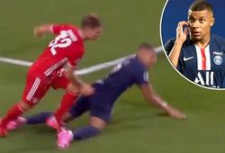 Có phải VAR bỏ qua quả phạt đền cho PSG trước Bayern?