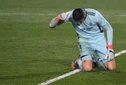 Courtois gây choáng với sai lầm tệ hại khiến Real Madrid trắng tay