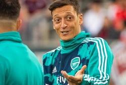 Mesut Ozil chọn đội hình lý tưởng của mình không có cầu thủ Arsenal