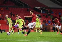 Fernandes sút phạt đền và phản ứng kỳ lạ của thủ môn Newcastle