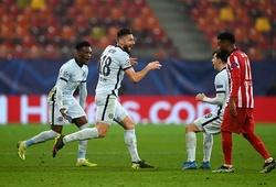 Giroud lập siêu phẩm sau khi tập luyện như cầu thủ 24