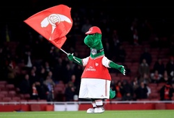 Jerry Quy - Gunnersaurus của Arsenal sẽ được Ozil trả lương