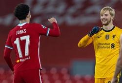 HLV Liverpool dành lời khen cho 2 cầu thủ trẻ sau khi thắng Ajax