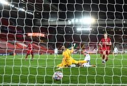Liverpool hứng chịu thất bại ở Champions League theo cách khó tin