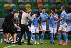 HLV Guardiola phản ứng thế nào khi Man City thua sốc?