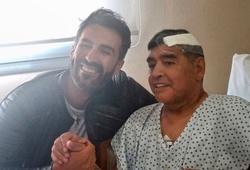 Nhân viên tang lễ bị đuổi việc vì hành động bất kính với Maradona