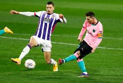 Messi đấu giá đôi giày phá kỷ lục của Barcelona