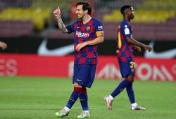 """Messi trở thành """"quái thú"""" với Sevilla ra sao?"""