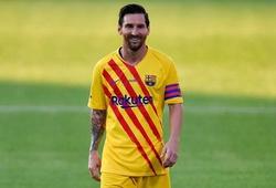 Xem Messi hào phóng nhường đá phạt đền cho Griezmann
