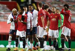 Sao MU thoát thẻ đỏ khó tin ở Champions League sau cú húc đầu
