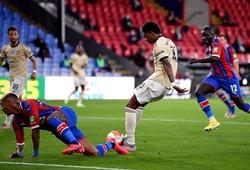 VAR 2 lần cứu MU khỏi bàn thua trước Crystal Palace
