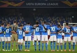 Napoli tưởng nhớ Maradona bằng những chiếc áo số 10 gây xúc động