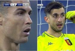 """Ronaldo bị thủ môn """"khiêu khích"""" khi sút phạt đền cho Juventus"""