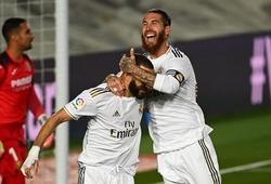 Benzema và Ramos bắt chước đá phạt đền như Messi và Suarez?