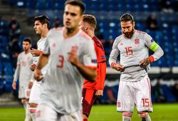 Ramos gây choáng khi sút hỏng 2 quả phạt đền cho Tây Ban Nha