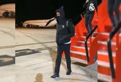 """Real Madrid """"phát điên"""" khi mắc kẹt ở sân bay do bão tuyết"""