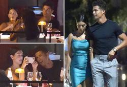 Ronaldo và bạn gái thưởng thức bữa tối lãng mạn ở làng chài